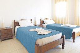 Спальня 2. Кипр, Пернера Тринити : Двухэтажная вилла  с двумя спальнями, с замечательным зелёным садом  и  частным бассейном и солнечной террасой