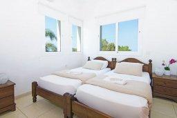 Спальня 2. Кипр, Пернера Тринити : Удивительная современная вилла с потрясающим видом на Средиземное море, с 3-мя спальнями, бассейном, тенистой террасой с патио и барбекю, расположена недалеко от пляжа Trinity Beach