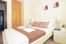 Спальня. Кипр, Фиг Три Бэй Протарас : Уютная двухэтажная вилла с 3-мя спальнями, с частным бассейном, патио и барбекю, расположена в центре Протараса