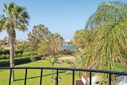 Балкон. Кипр, Фиг Три Бэй Протарас : Очаровательная вилла с видом на Средиземное море, с 5-ю спальнями, 5-ю ванными комнатами, с прелестной зелёной лужайкой, тенистой террасой с патио и lounge-зоной, расположена на берегу моря в Протарасе