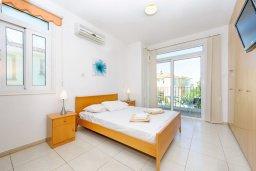 Спальня. Кипр, Фиг Три Бэй Протарас : Замечательная вилла с видом на Средиземное море, с 3-мя спальнями, 2-мя ванными комнатами, балконом, солнечной террасой с патио и барбекю