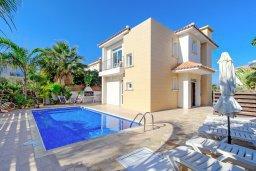Фасад дома. Кипр, Фиг Три Бэй Протарас : Замечательная вилла с видом на Средиземное море, с 3-мя спальнями, 2-мя ванными комнатами, балконом, солнечной террасой с патио и барбекю