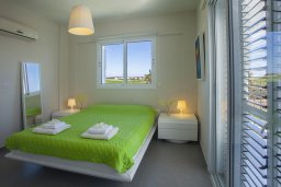 Спальня 2. Кипр, Сиренс Бич - Айя Текла : Уютная и оборудованная двухэтажная вилла с 3-мя спальнями, с большим бассейном, патио  и великолепным видом на море