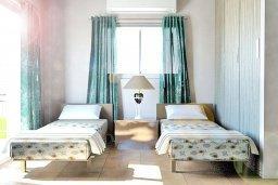 Спальня 4. Кипр, Нисси Бич : Современная стильная двухэтажная вилла с 4-мя спальнями, с барбекю и большим бассейном