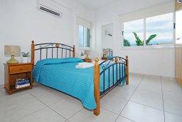 Спальня. Кипр, Пернера Тринити : Комфортабельная двухэтажная вилла с 3-мя спальнями с большим бассейном, двумя балконами и барбекю