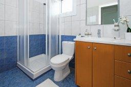 Ванная комната. Кипр, Пернера Тринити : Комфортабельная двухэтажная вилла с 3-мя спальнями с большим бассейном, двумя балконами и барбекю