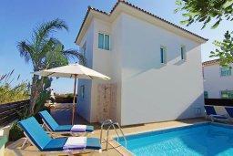 Фасад дома. Кипр, Пернера Тринити : Комфортабельная двухэтажная вилла с 3-мя спальнями с большим бассейном, двумя балконами и барбекю