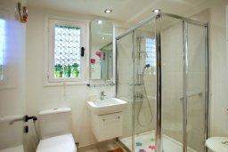 Ванная комната 2. Кипр, Санрайз Протарас : Живописный коттедж с 3-мя спальнями, окруженный экзотическими пальмами с великолепным видом на море и плавательным бассейном