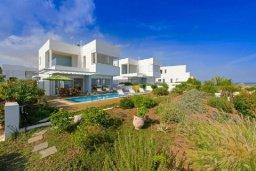 Территория. Кипр, Фиг Три Бэй Протарас : Современная и элегантная вилла с потрясающим видом на Средиземное море, с 3-мя спальнями, 3-мя ванными комнатами, с бассейном, с тенистой террасой с патио и барбекю, расположена на побережье Протараса около пляжа Fig Tree Bay