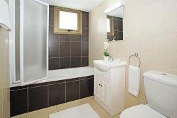 Ванная комната. Кипр, Ионион - Айя Текла : Очаровательная вилла с двумя спальнями, с прекрасным бассейном и ухоженным садом