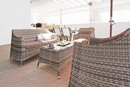 Патио. Кипр, Каппарис : Удивительная вилла с 4-мя спальнями, 3-мя ванными комнатами, бассейном, тенистой террасой с патио и традиционным каменным барбекю, расположена на побережье в Каппарисе