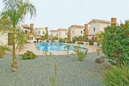 Территория. Кипр, Ионион - Айя Текла : Дом с восхитительно обустроенной территорией,  с 3-мя спальнями, с бассейном и уютной террасой