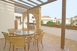 Веранда. Кипр, Ионион - Айя Текла : Дом с восхитительно обустроенной территорией,  с 3-мя спальнями, с бассейном и уютной террасой