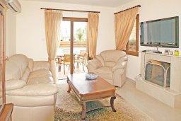 Гостиная. Кипр, Ионион - Айя Текла : Дом с восхитительно обустроенной территорией,  с 3-мя спальнями, с бассейном и уютной террасой