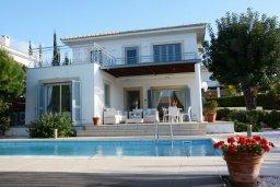 Фасад дома. Кипр, Лачи : Современная вилла с 3-мя спальнями ,с открытым частным бассейном, расположенная на краю Национального парка Акамас