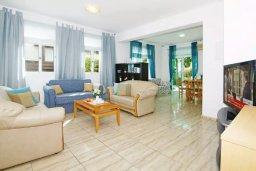 Гостиная. Кипр, Фиг Три Бэй Протарас : Двухэтажная вилла с 3-мя спальнями, с беседкой, приватным двориком и барбекю