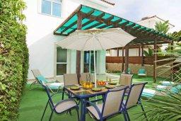 Фасад дома. Кипр, Фиг Три Бэй Протарас : Двухэтажная вилла с 3-мя спальнями, с беседкой, приватным двориком и барбекю