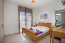 Спальня 2. Кипр, Пернера : Прекрасная вилла с 3-мя спальнями, с бассейном, солнечной террасой с патио и барбекю, расположена около пляжа Pernera Beach