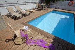 Бассейн. Кипр, Пернера : Потрясающая вилла с 3-мя спальнями, с бассейном, солнечной террасой с патио и барбекю, расположена около пляжа Pernera Beach