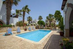Бассейн. Кипр, Санрайз Протарас : Потрясающая двухэтажная вилла с 3-мя спальнями, с частным бассейном, зеленым садом, общим теннисным кортом