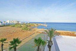 Вид на море. Coralli Spa Resort в Протарасе