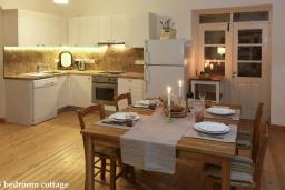 Кухня. Кипр, Какопетрия : Традиционный каменный дом с 3-мя спальнями на горнолыжном курорте