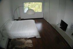 Спальня 3. Кипр, Какопетрия : Эксклюзивная роскошная вилла с 5-ю спальнями, большим частным бассейном с подогревом, тренажерным залом, расположена в окружении пышного соснового леса
