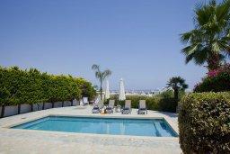 Территория. Кипр, Санрайз Протарас : Прекрасная вилла с 6-ю спальнями, с открытым частным бассейном, крытой верандой и панорамным видом на Средиземное море