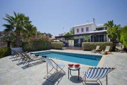Вид на виллу/дом снаружи. Кипр, Санрайз Протарас : Прекрасная вилла с 6-ю спальнями, с открытым частным бассейном, крытой верандой и панорамным видом на Средиземное море