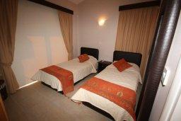 Спальня 2. Кипр, Писсури : Благоустроенная вилла для 6-ти человек с 3-мя спальнями с открытым плавательным бассейном и ландшафтным садом