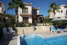 Бассейн. Кипр, Писсури : Новая вилла с 3-мя спальнями для 6-ти человек с панорамным видом на море и горы , с открытым плавательным бассейном.