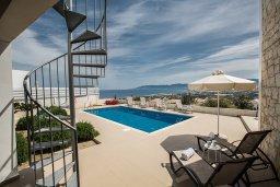 Территория. Кипр, Лачи : Прекрасная вилла с 3-мя спальнями, с панорамным видом на Средиземное море, с открытым плавательным бассейном, патио и барбекю