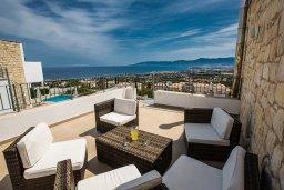 Терраса. Кипр, Лачи : Прекрасная вилла с 3-мя спальнями, с панорамным видом на Средиземное море, с открытым плавательным бассейном, патио и барбекю