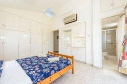 Спальня. Кипр, Нисси Бич : Восхитительная 3-спальная вилла с частным бассейном, расположена в самом центре Айя-Напы, всего в нескольких минутах ходьбы от пляжа