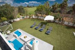 Вид. Кипр, Сиренс Бич - Айя Текла : Потрясающая вилла с 3-мя спальнями, с большим зелёным садом, с бассейном, солнечной террасой с патио и барбекю, расположена в 300 метрах от моря