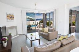 Гостиная. Кипр, Лачи : Фантастическая вилла с 3-мя спальнями и потрясающим видом на Средиземное море, с открытым плавательным бассейном и барбекю