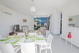 Обеденная зона. Кипр, Лачи : Фантастическая вилла с 3-мя спальнями и потрясающим видом на Средиземное море, с открытым плавательным бассейном и барбекю