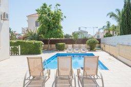 Бассейн. Кипр, Сиренс Бич - Айя Текла : Прекрасная вилла с 3-мя спальнями, с удивительным зелёным садом, открытым бассейном и барбекю