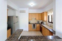 Кухня. Кипр, Санрайз Протарас : Замечательная современная вилла с 4-мя спальнями, с бассейном и приватным двориком