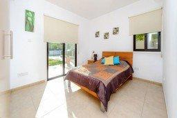 Спальня. Кипр, Санрайз Протарас : Замечательная современная вилла с 4-мя спальнями, с бассейном и приватным двориком