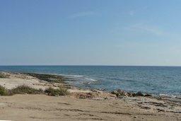 Пляж Katsarka beach в центре Айя Напы