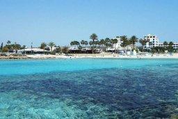 Vathia Gonia beach