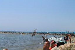 Пляж Ларнака Бэй (Larnaca Bay complex beach) в Ороклини, Декелия роуд