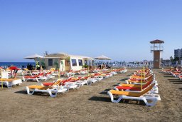 Финикудес / Finikoudes beach