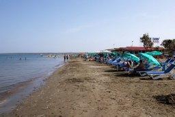 Пляж Ladys Mile beach в центре Лимассола