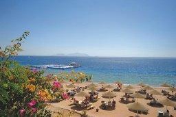 Пляж Coral Bay beach в Корал Бэй, Пафос