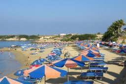 Пляж Corallia Bay / Coral Bay beach (West side) в Корал Бэй, Пафос