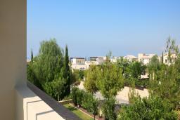 Кипр, Афродита Хиллз : Таунхаус с 3-мя спальнями, в комплексе с бассейном, расположен в Афродита Хиллз