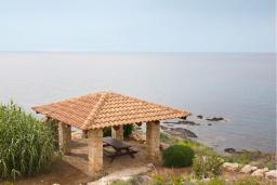 Кипр, Помос : Потрясающая вилла с панорамным видом на море, с 4-мя спальнями, с  бассейном и солнечной террасой, расположена в Полисе