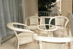 Балкон. Кипр, Гермасойя Лимассол : Апартамент в 25 метрах от моря, с большой гостиной и тремя отдельными спальнями, для 6 человек
